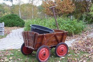chariot de jardin en bois